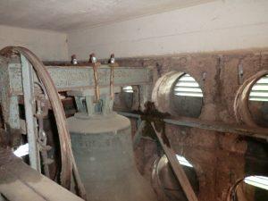Wenn die Glocken schweigen … notwendige Sanierung des Ostheimer Glockenstuhls