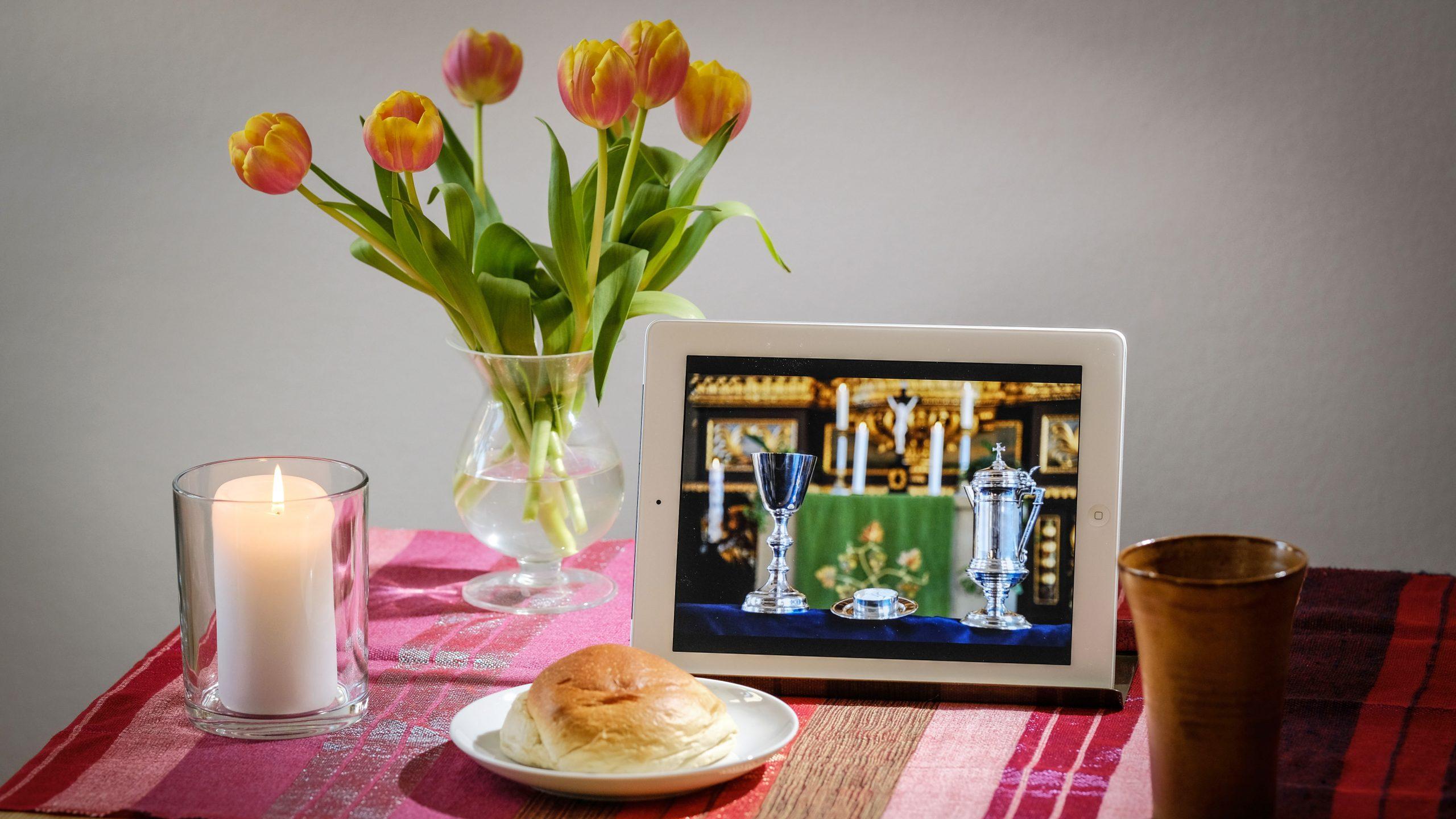 Online Abendmahl feiern: Ein Feierabendmahl zuhause und verbunden mit anderen